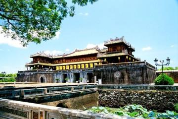 TOUR PHÁO HOA |  Đà Nẵng – Bà Nà – Hội An – Huế